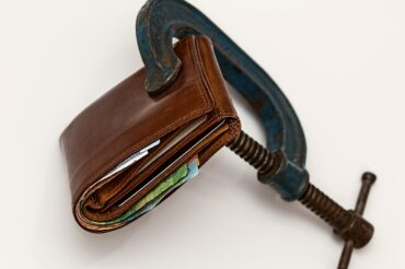 Canadian Households Hold Too Much Debt